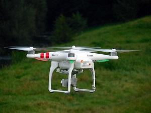quadrocopter-451747_640